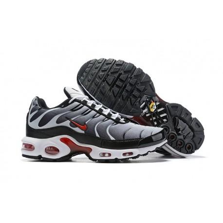 Zapatillas Nike Air Max Plus QS Hombre - Negro Blanco Rojo